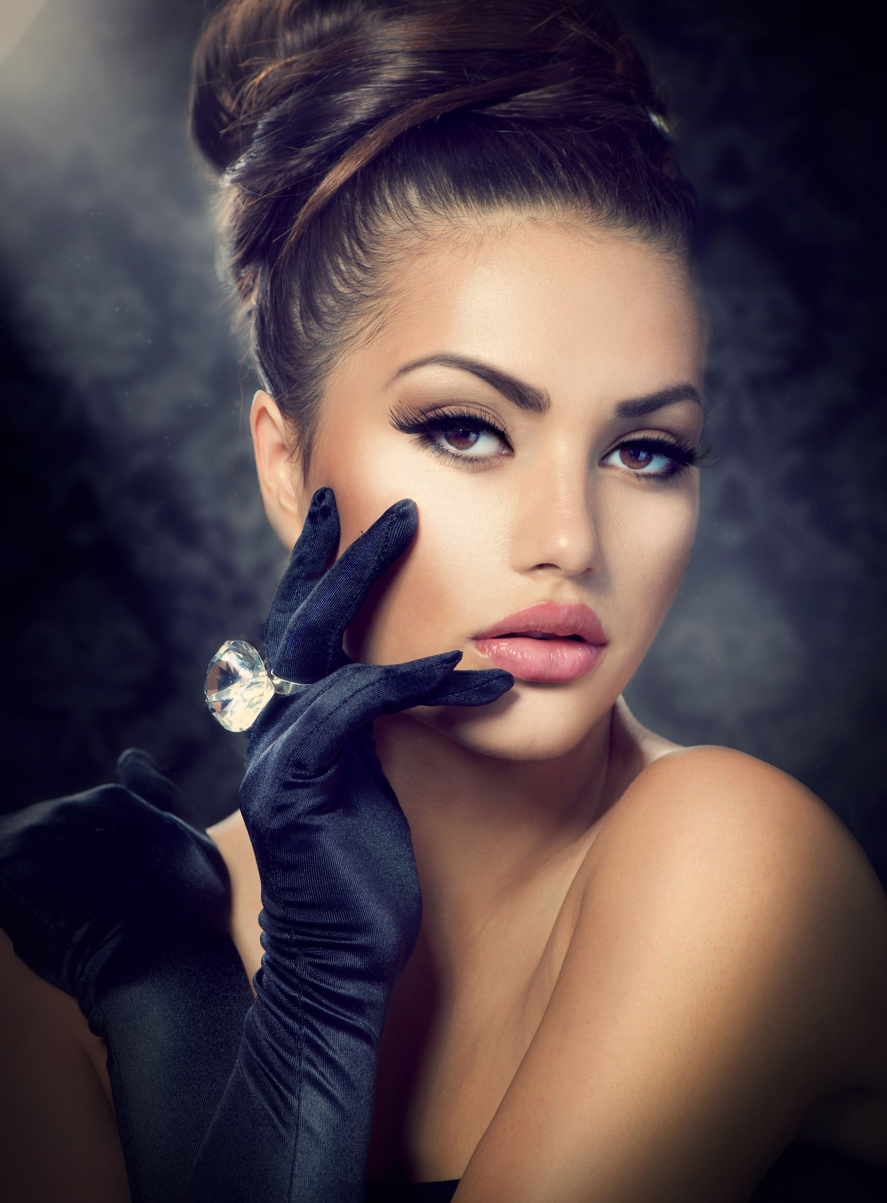 20956695 - beauty fashion girl portrait  vintage style girl wearing gloves